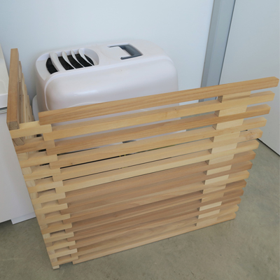 Paravent à litière en bois